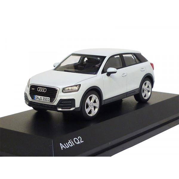 Audi Q2 1:43 Gletscherweiß 5011602631 Modellauto 2016 iScale Weiß