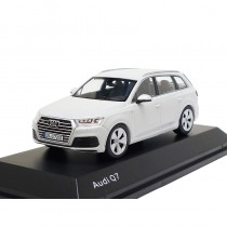 Audi Q7 Modell 2015 Gletscherweiß 1:43 Modellauto 5011407623