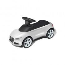 Audi Junior quattro rot