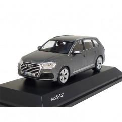 Audi Q7 Modell 2015 Graphitgrau 1:43 Modellauto 5011407623