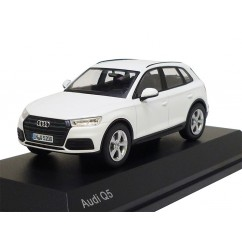 Audi Q5 1:43 Ibisweiss 2017 5011605631 Modellauto iScale Weiß