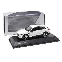 Audi e-tron Gletscherweiß 1:43 Modellauto 5011820632 Miniatur Weiß White e tron Original Minimax